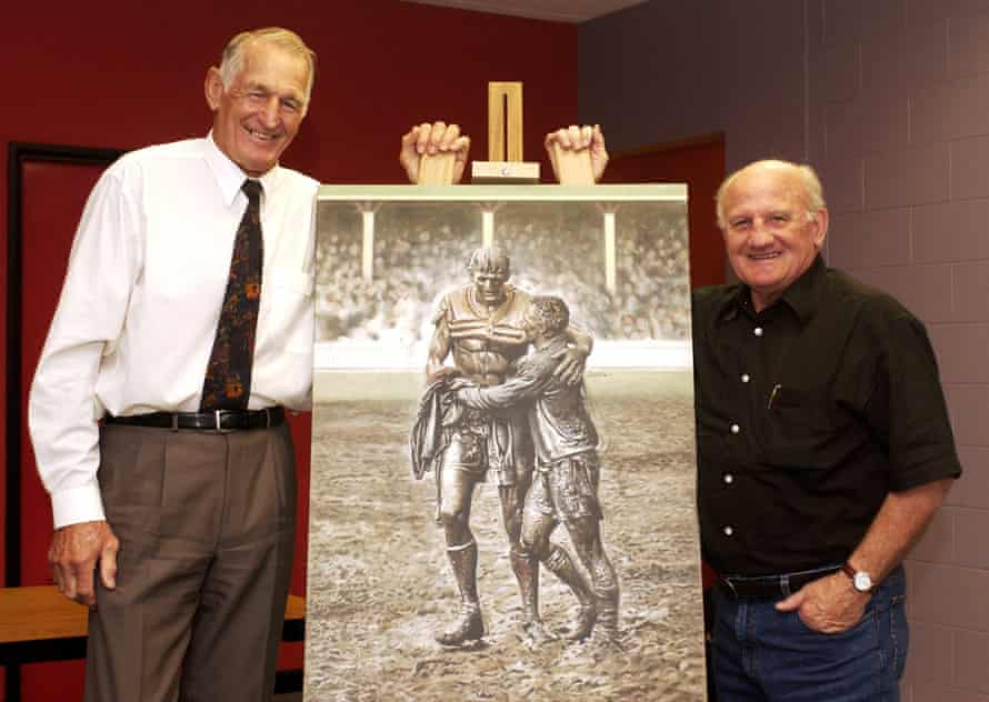 Norm Provan and Arthur Summons pose with their famous image.