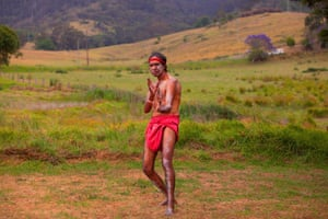 Organiser of the Bunaan and leader of Gulaga dance group, Djiringanj man Warren Ngarrae Foster, said the time for healing was urgent – the Earth was sending a message. 'Minga Gulaga is the one that birthed us all and she has called us back to heal the spirit, heal the country and heal the land'