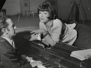 Fenella Fielding with Sandy Wilson in rehearsals for his 1958 musical Valmouth.