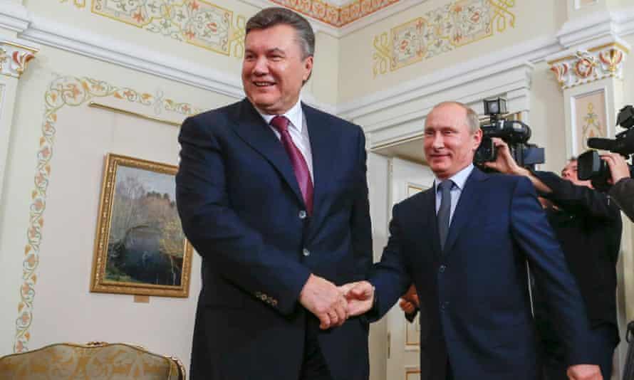Viktor Yanukovych and Vladimir Putin in 2012.