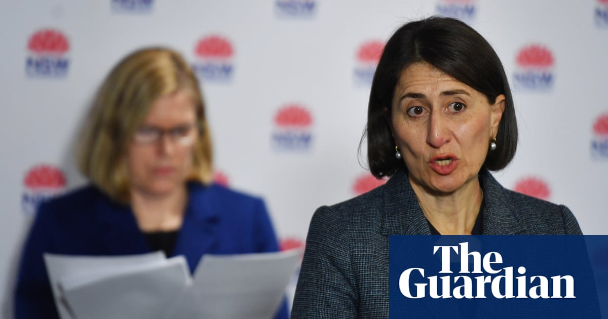 NSW Covid update: masks compulsory on Sydney public transport after new 'fleeting contact' case – The Guardian