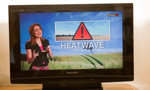 A heatwave warning on a TV weather forecast