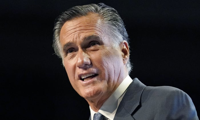 Mitt Romney booed and called traitor