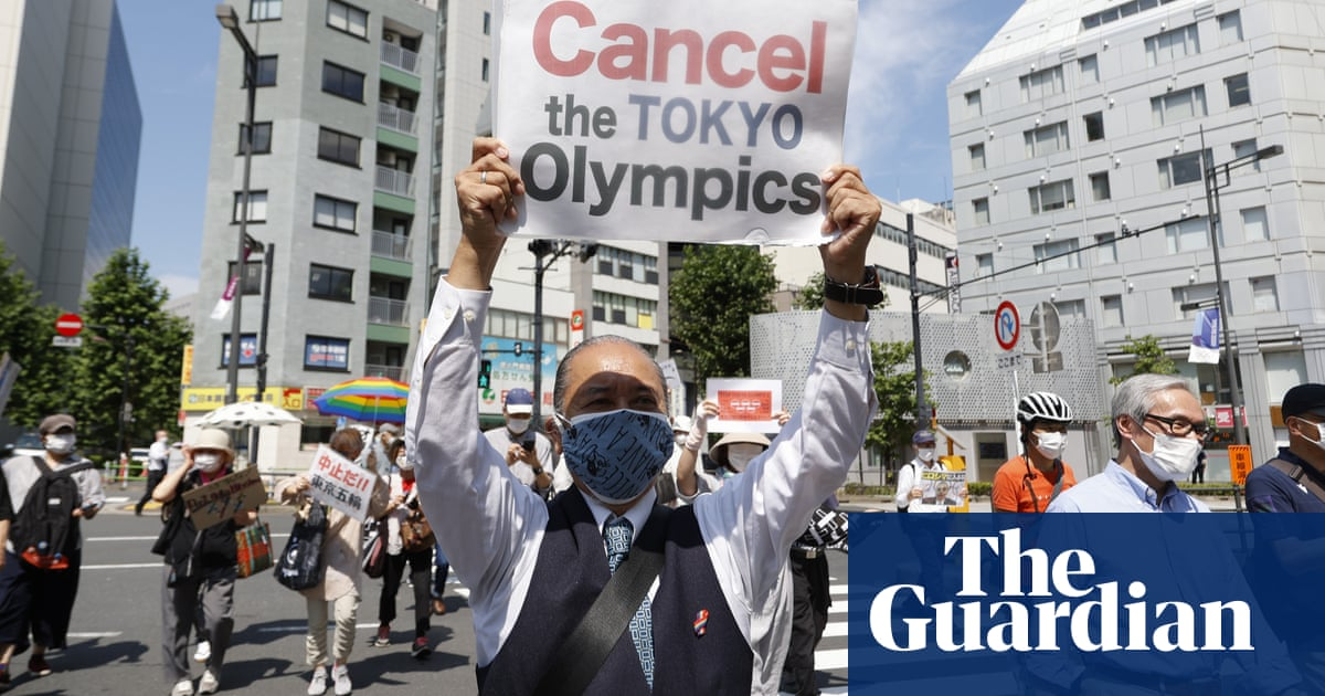 Olympics chief accused of insulting Hiroshima survivors with visit to atomic bombing site
