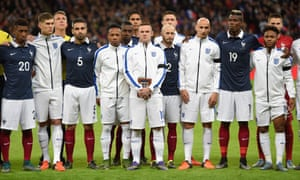 France and England players stand together