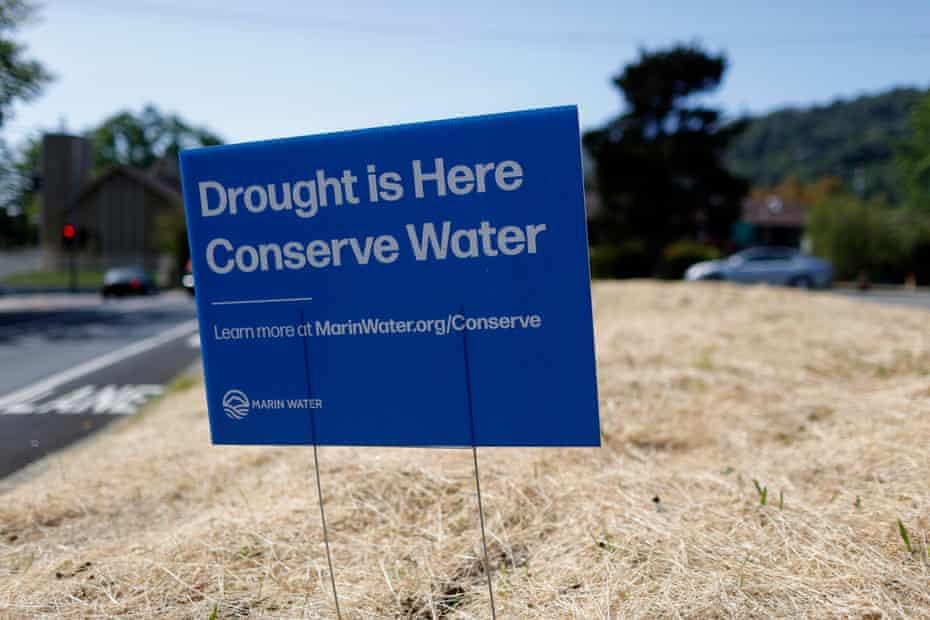 Le comté de Marin est devenu le premier comté à imposer des restrictions obligatoires d'utilisation de l'eau le 1er mai.