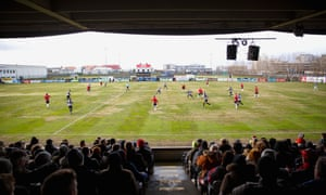 In the first gameweek KR and Vikingur Reykjavik met at the KR stadium.