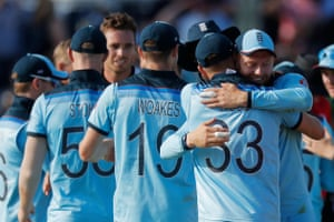 England celebrate as the final New Zealand wicket falls.