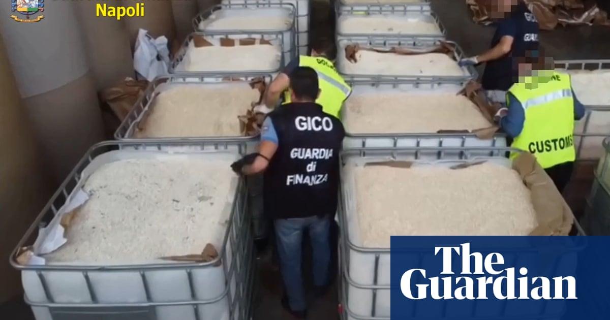 Italian police seize €1bn amphetamine haul from Syria
