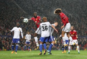 Fellaini scores the opener.