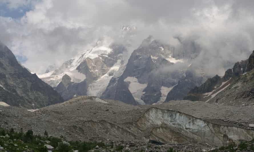 Ushba glacier, above Becho.