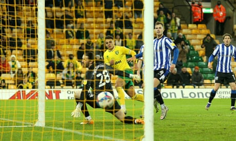 Championship roundup: Norwich back on top after Max Aarons winner
