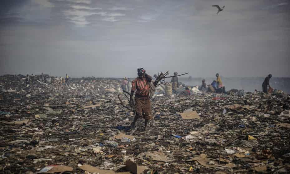 Rubbish pickers at the municipal site in Maputo, Mozambique.
