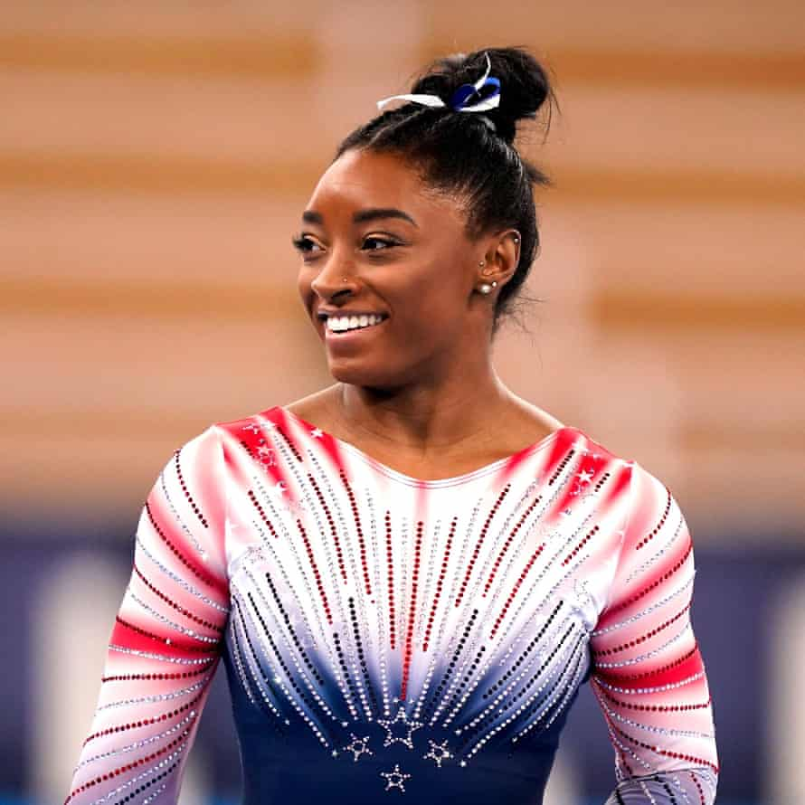 Simone Biles performs in the balance beam final at Toyko 2020