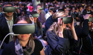 Facebook sets up 'social VR' team to explore virtual reality