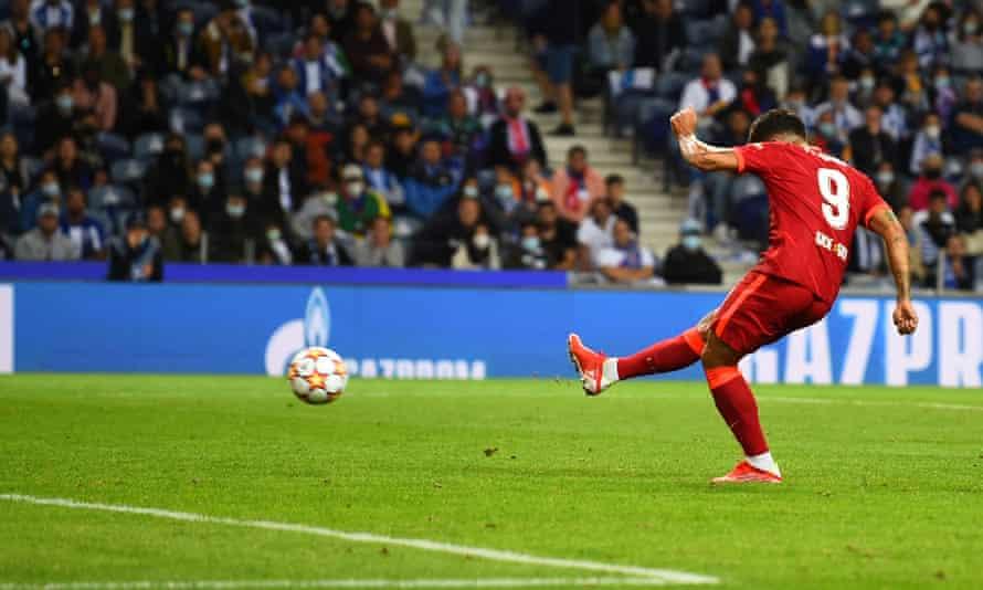 Liverpool's Roberto Firmino makes it 5-1 in Porto