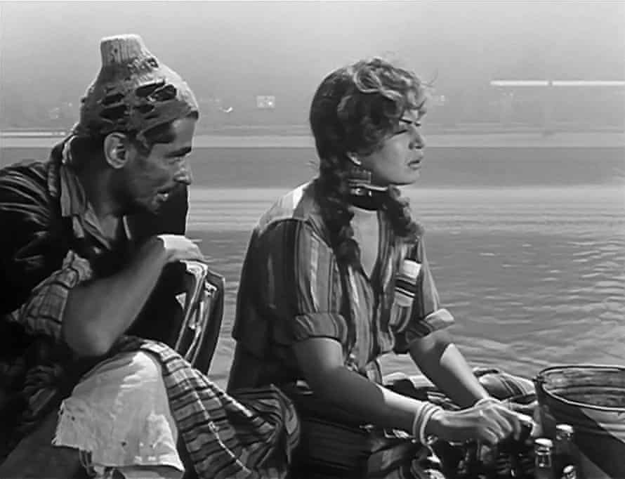 Youssef Chahine and Hind Rustum in Cairo Station.