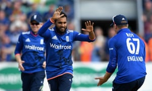 Adil Rashid celebrates with Jason Roy after dismissing Upul Tharanga.