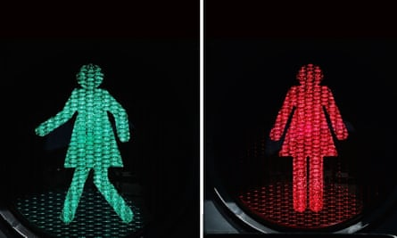 Female figures at pedestrian crossings in Melbourne rolled out a trial scheme replacing male figures at 10 crossings.