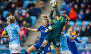 Manchester City lead the WSL but Chelsea would go top if points per game were used