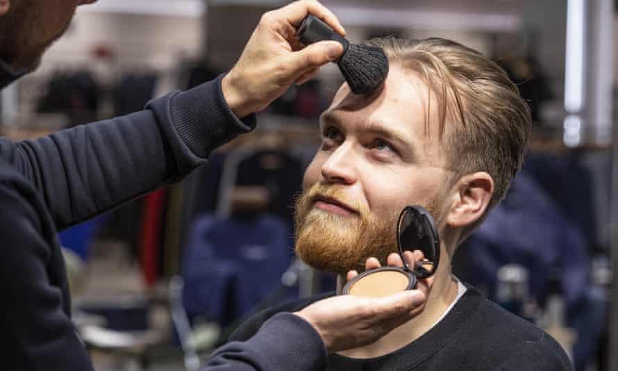 Male makeup hasn't been entirely destigmatized.