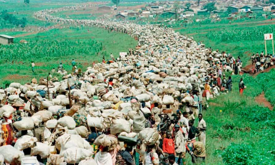 Tens of thousands of Rwandan refugee