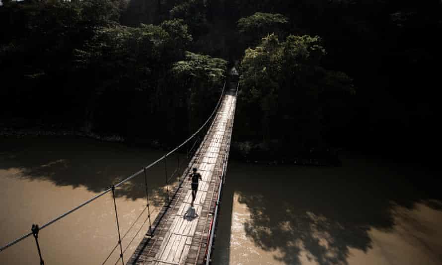 A competitor at Mt Gaoligong By UTMB.