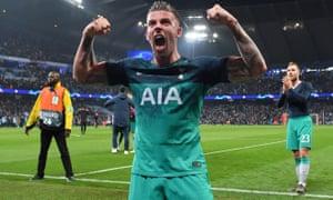 Tottenham Hotspur's Belgian defender Toby Alderweireld celebrates.