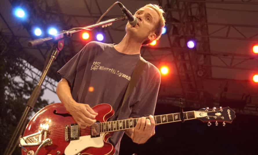 Chris Collingwood of Fountains of Wayne performing at the 2003 MTV Video Music Awards in New York.