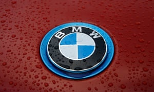 BMW is developing a self-driving version of one of its luxury saloons.