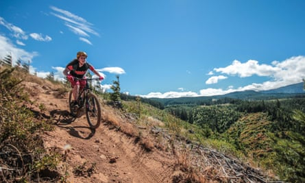 Hannah Myers, owner of mountain bike clothing brand Flare.