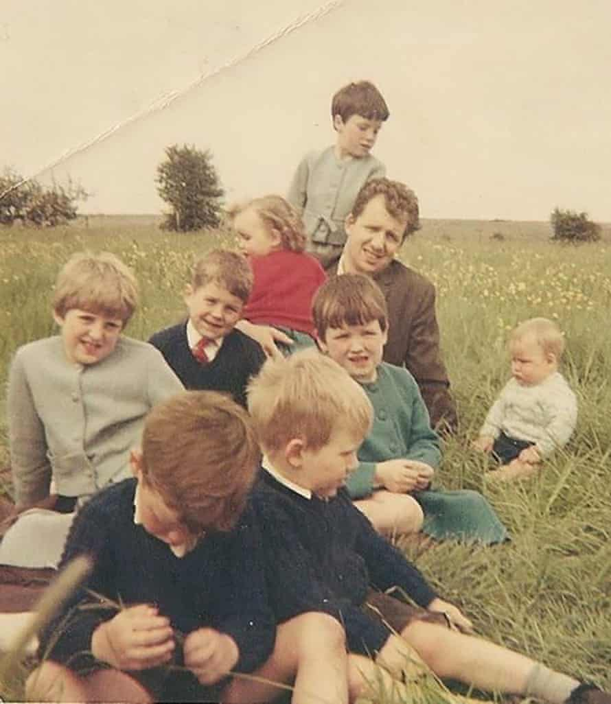 Bert Cattermole with his children
