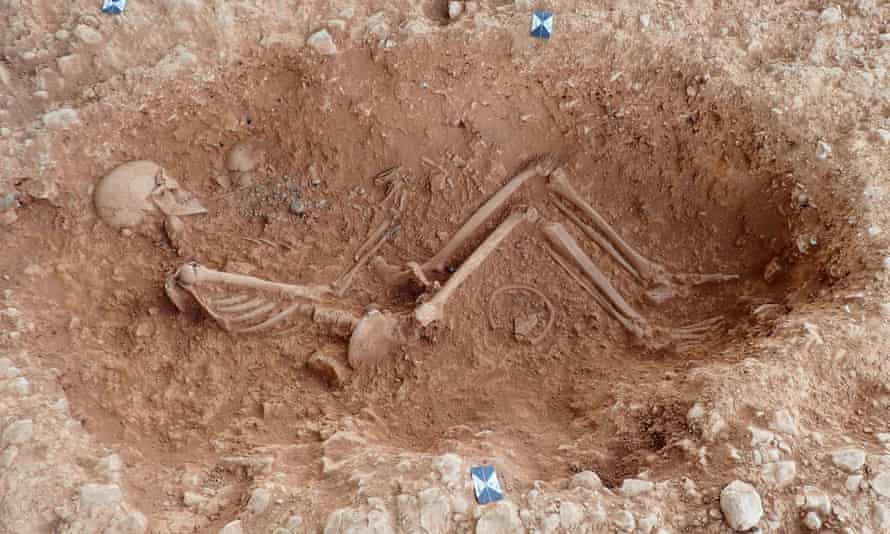 A skeleton at the female burial site.