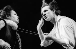 Timothy Walker (Hamlet) and Natasha Parry (Gertrude) at the Lyric, London, in a Cheek by Jowl production in 1990