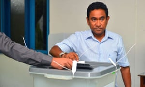 Abdulla Yameen, president of the Maldives, casts his vote in Malé.