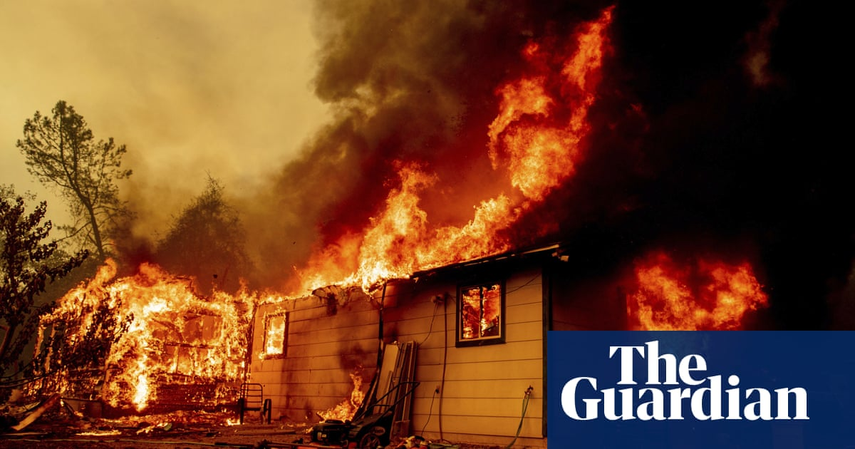Fresh California wildfire prompts evacuations as forest blazes grow