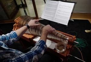 Glass harmonica