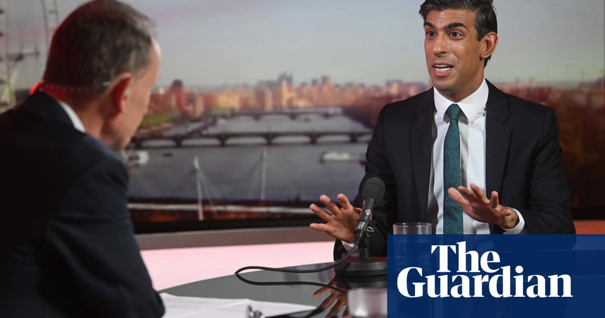 'People will make the right judgments': Rishi Sunak questioned about not wearing a mask – video