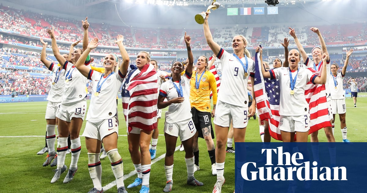 US Soccer offers identical contract proposals to women's and men's teams