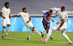 Messi shoots.