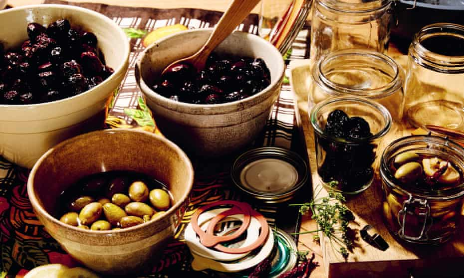 A variety of preserved green and black olives