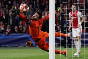 Tottenham's goalkeeper Hugo Lloris concedes their second goal.