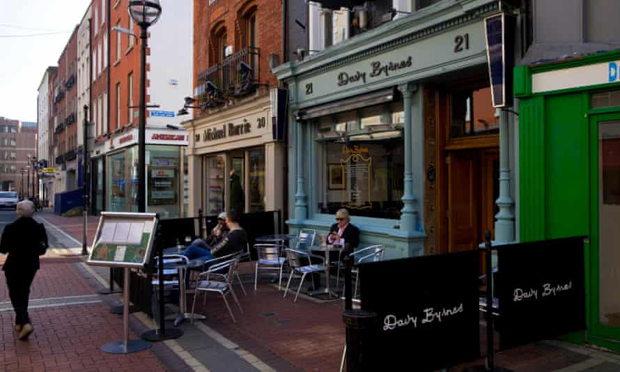 The front of Davy Byrnes pub – synonymous with James Joyce, Ulysses and Blooms Day Celebrations, on Duke Street, Dublin, Ireland.