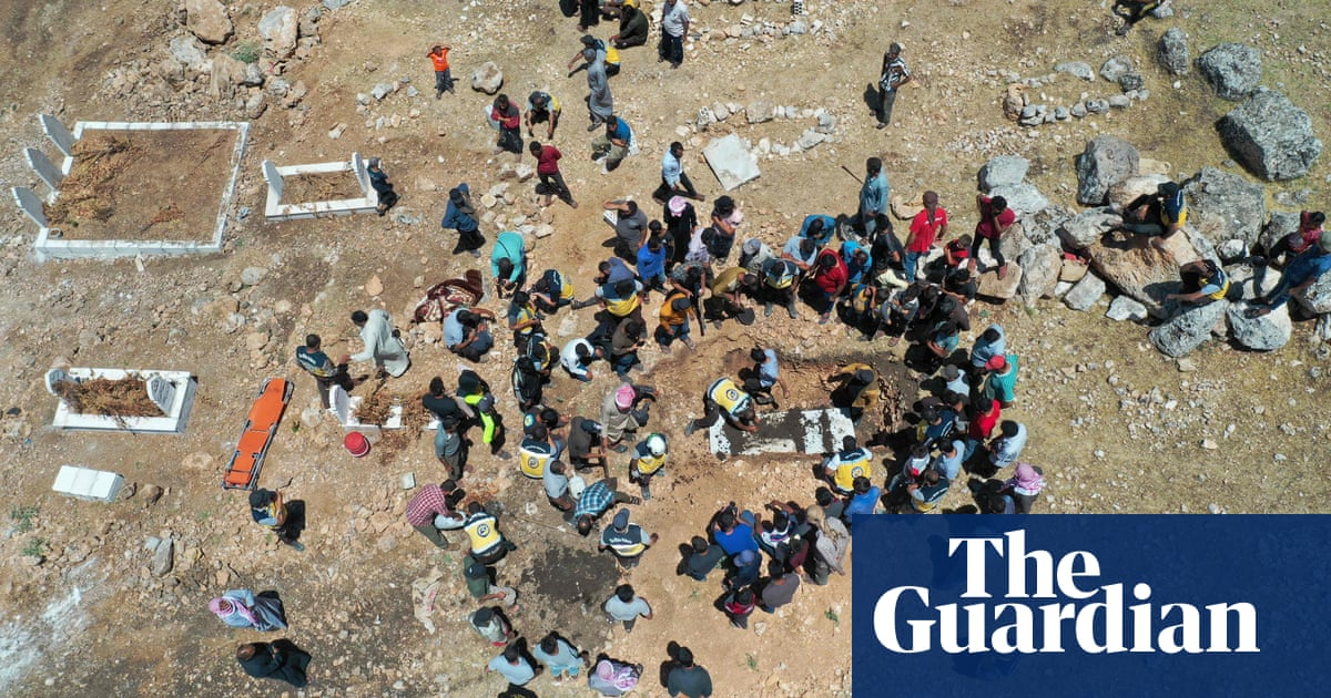 Assad forces' shelling in Syria causes 5,000 civilians to flee