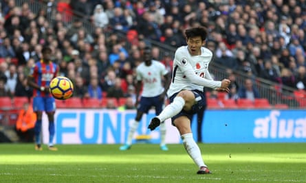 Son Heung-min scores the winner at Wembley