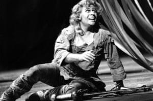Alberto Remedios as Siegfried