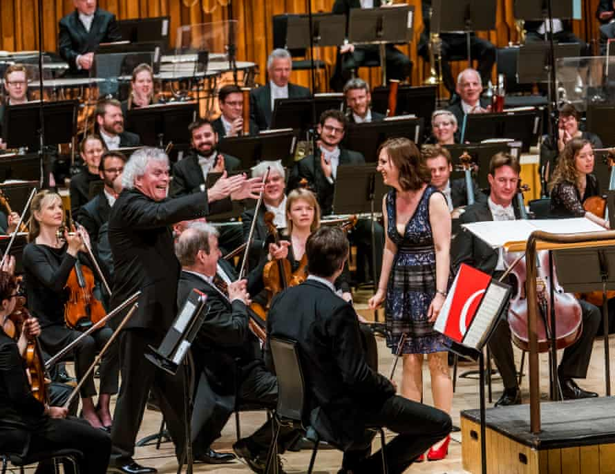 Simon Rattle and Helen Grime with the LSO after the world premiere of Grime's Woven Space.
