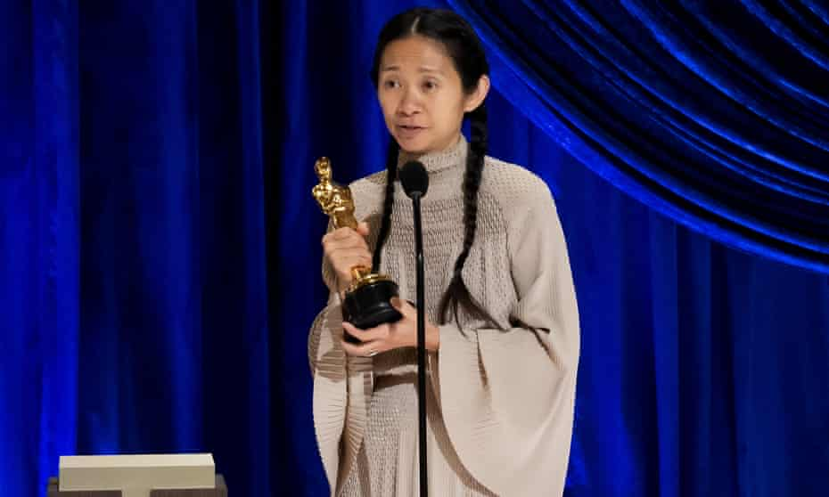 Chloé Zhao accepting the Oscar for best director