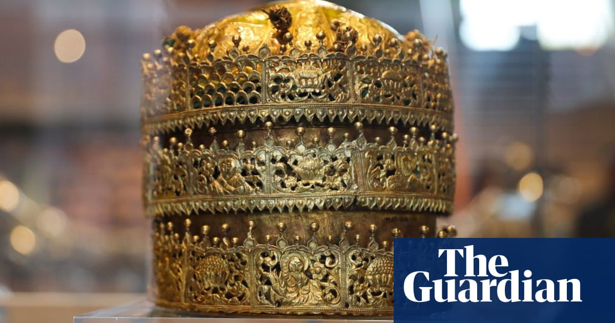 V&A insists it has 'responsibility' to tell truth about collections