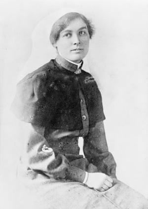 Staff Sister Pearl Corkhill MM, Australian army nursing service, of Tilba, NSW. Corkhill had been transferred to No 38 Casualty Clearing Station in France, which twice suffered heavy German air raids during the week of 27 July 1918. One bomb wrecked the sterilising room and others fell within the camp. Corkhill was on night duty at the time. Sister Corkhill's medals are in the collection of the Australian War Memorial